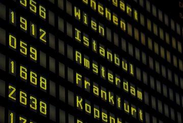 boulevard-hannover-airport-flugnummern-abflugtafel