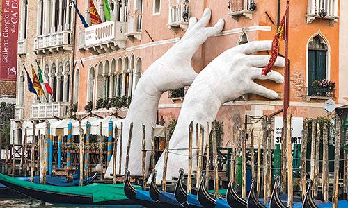 Venedig-Skulptur-Kunst-Quinn