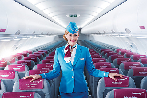boulevard-hannover-airport-eurowings-flugbegleiterin-kabine