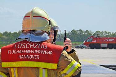 boulevard-hannover-airport-flughafenfeuerwehr-loeschzug-funk