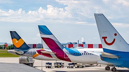 boulevard-hannover-airport-flugnummern-flugzeuge-vorfeld