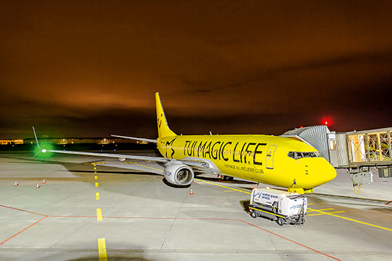 boulevard-hannover-airport-tuifly-flugzeuge-tui-magic-life