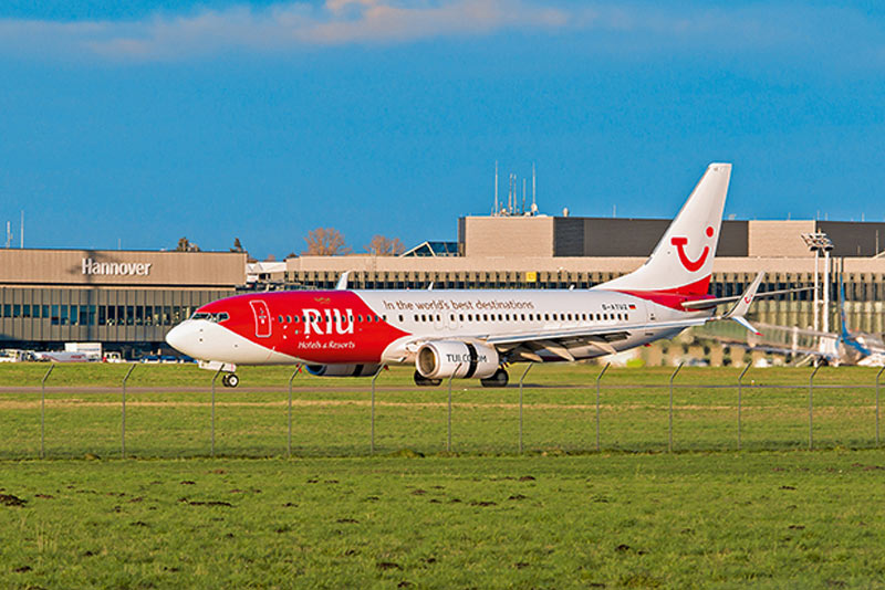 boulevard-hannover-airport-tuifly-flugzeuge-tui-riu